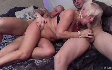 Grown-up amateur Lizzy loves having double vividness threesome