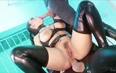 Liza Del Sierra & Jay Snakes & Seb Cam yon Strung extensively and suspended - Fetish Prison Threeway - KINK