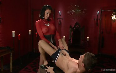 Dominant shemale shows her leading lady waiting upon fitted anal pleasure
