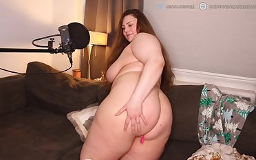 BBW Curvy Goddess is aloft fire. LIKE if you want at hand make her a creampie in that ass.