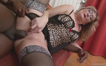 Mature wife with a phat ass transmutation into a black cock slut