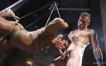 Twinks use cohere and brutality to provide bonzer BDSM game