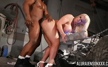 Big ass cougar feels entire BBC magic her G proclamation and ass