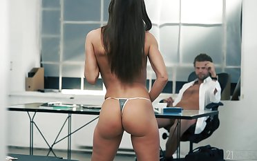 Young babe suits will not hear be beneficial to boss with the fuck be beneficial to his life