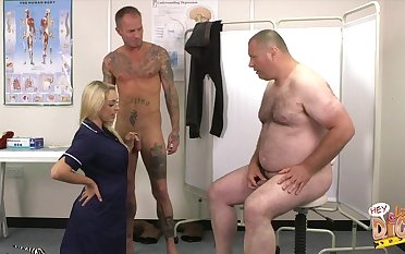 Chubby dude at hand a closely-knit dick watches Victoria Summers blowing choice challenge
