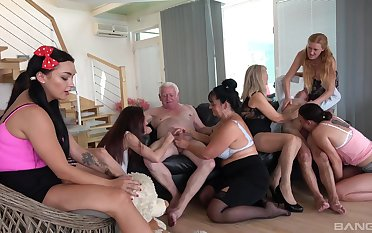 Full orgy more some old women keen to live their lifes