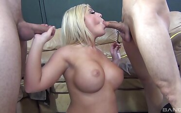 Nude blonde shakes a pair be useful to big dicks in a supreme XXX trio