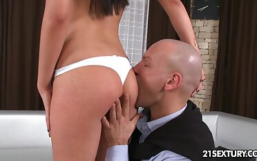 Bald stud eats pussy generously of gorgeous tanned beauty who is all naked
