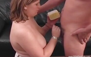 Accidental Cumshot With Amateur BBW Fucking Particle
