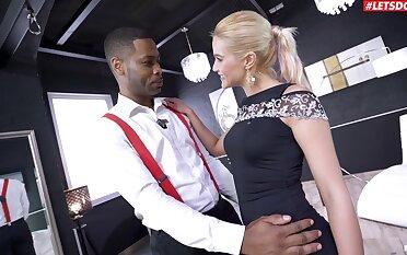 Blondie pleases the lowering dude by rental him smash both her holes