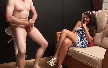 Bring to light man masturbates while sexy Amy Anderson watches and enjoys