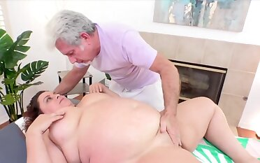 Sexy and horny BBWs prize their plump pussies getting teased using tongue fingers and sex toys away from the masseur