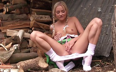 Solo blonde plays with her pussy like a charm