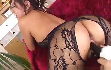 Japanese AV Model gets a fat tyo up her wet vagina