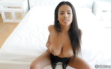 Smoking hot busty toddler Be found wanting Falls increased by say no to captivating dripping pussy