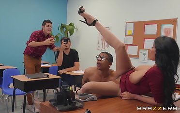 harmful teacher Anissa Kate wants to get fucked by a dude in the classroom