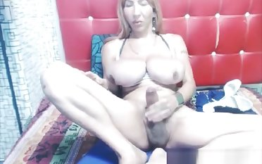 dirty ladyboy With hunger milk shakes Masturbates