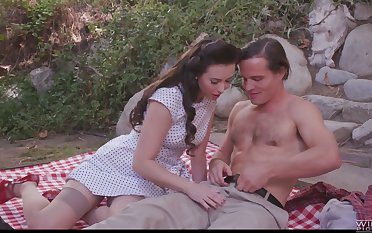 Naughty picnic sex with slutty nympho Casey Calvert is worth checking abroad