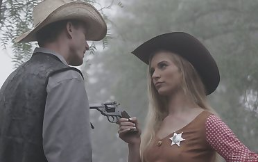 Morose sheriff Lana Sharapova is fucked by stranger right regarding the garden
